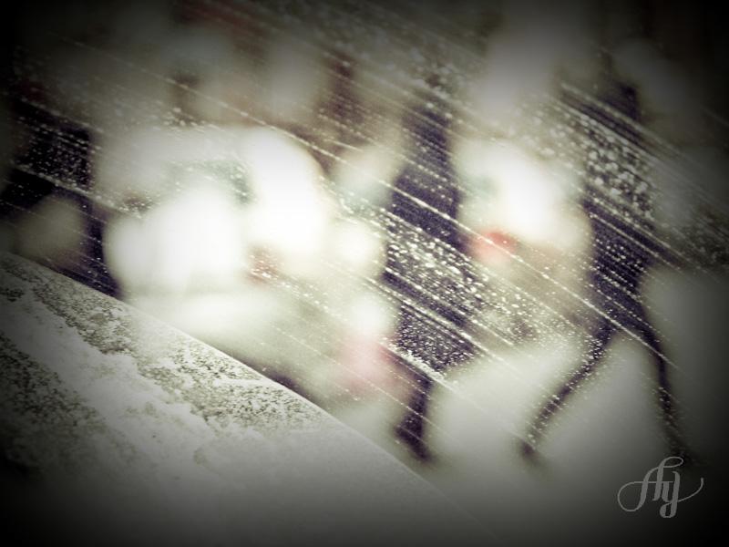 """Finaliste du concours et participe à l'exposition annuelle interuniversitaire. Titre :: """"Montréal à -25C"""". Concours interuniversitaire de photographie 2010-2011. Thème :: SUR LA ROUTE"""
