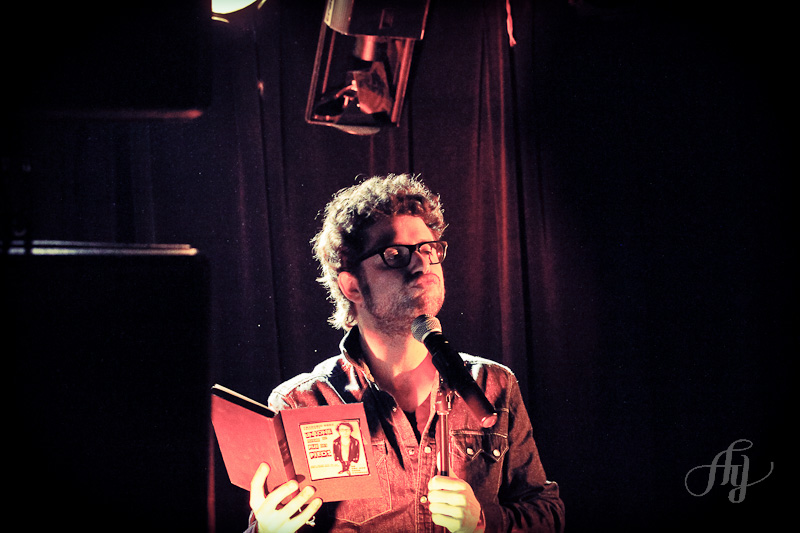 Humour :: Fred Dubé au Petit Medley 19 avril 2012