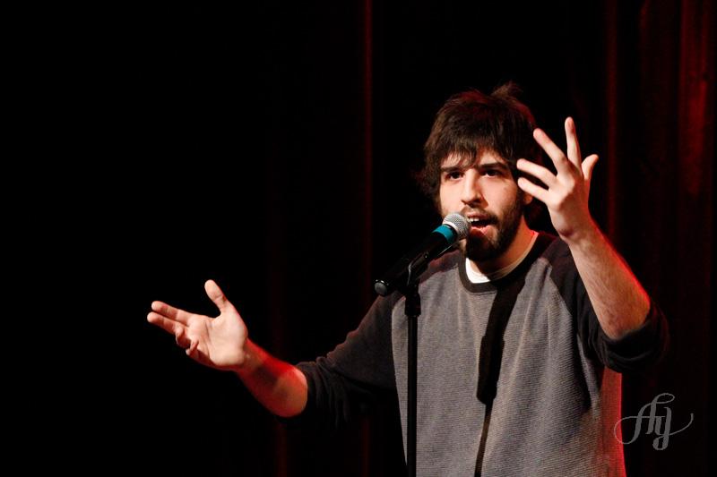 Humoriste :: Yannick De Martino