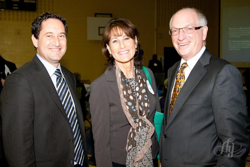 """Le maire de NDG, Michael Applebaum, était à l'inauguration des bureaux du projet """"Communauté Active!"""""""